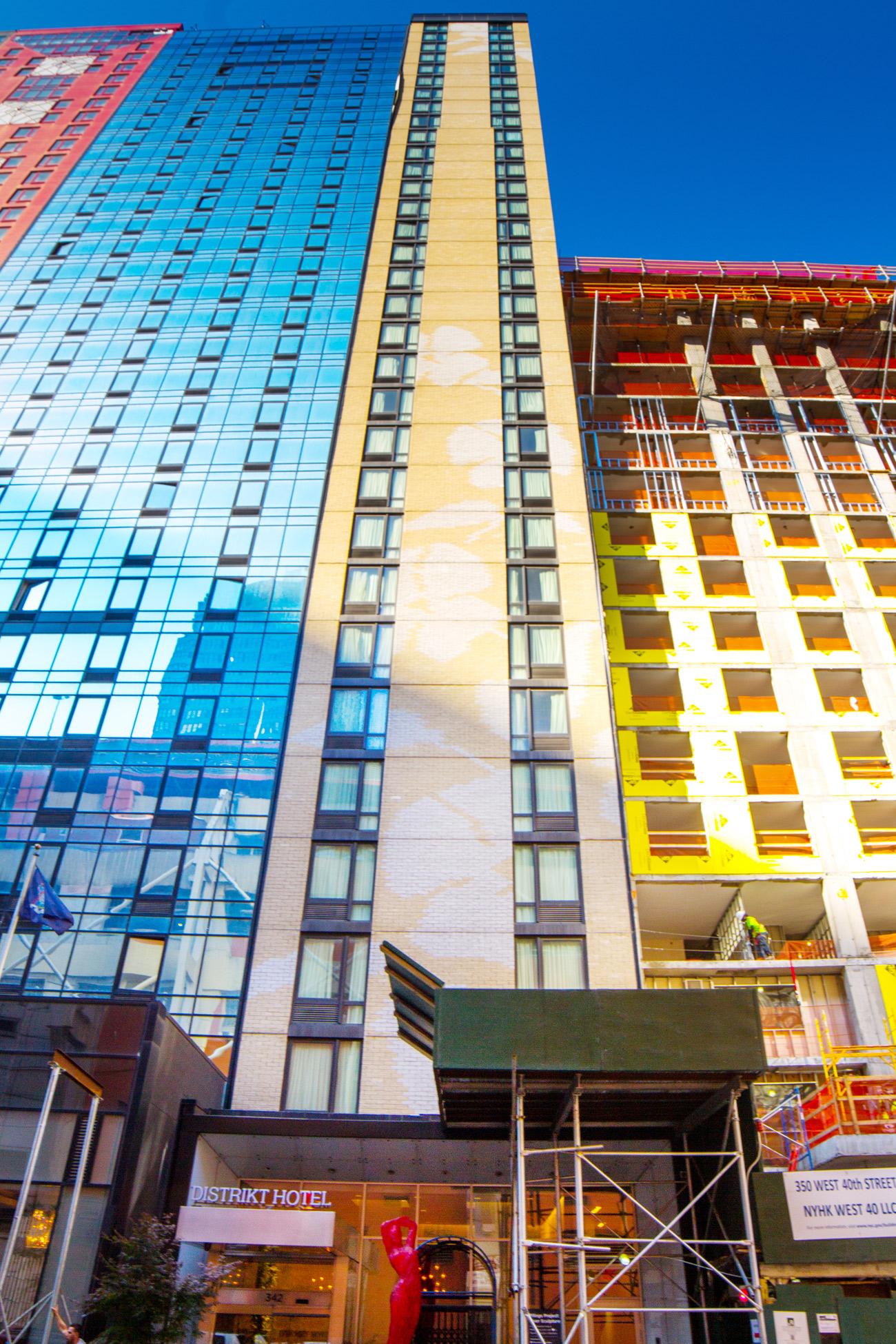 Distrikt Hotel: 342 W. 40th St